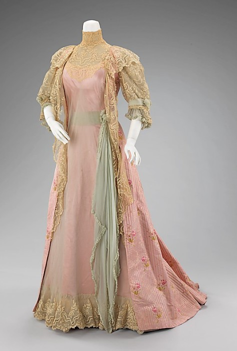 1900-01 Worth Tea Dress
