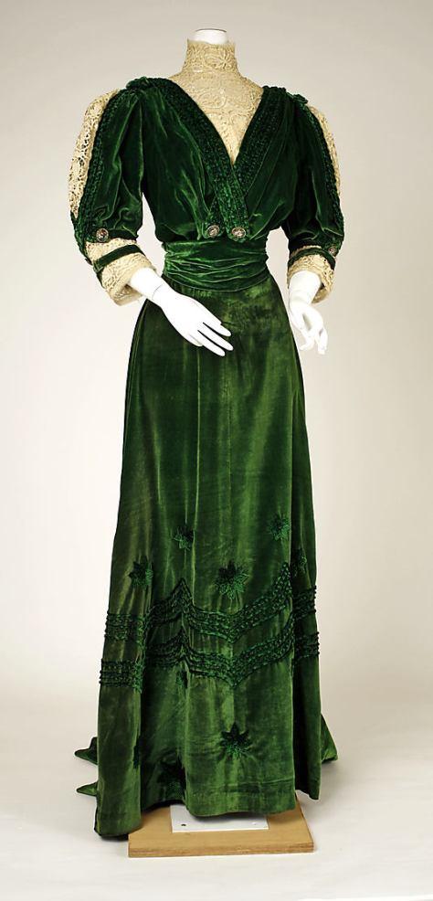 1905-07 dress green velvet a