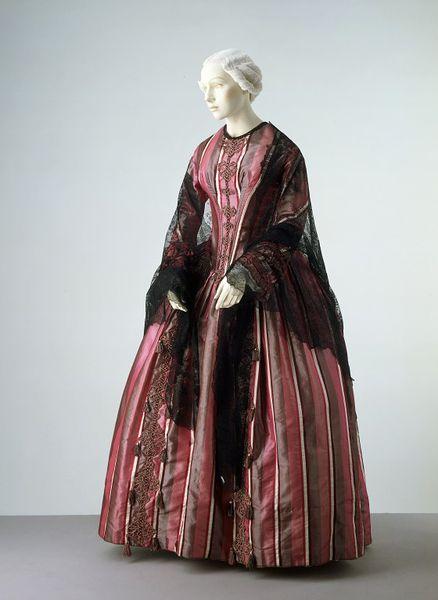 1845-50 dress V&A