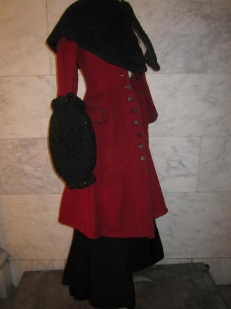 1898-1902 coat, cape and muff