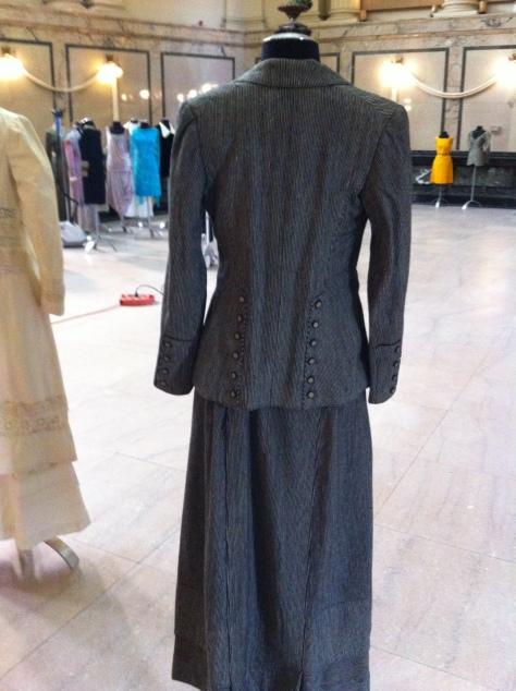 1911 grey suit b CMC