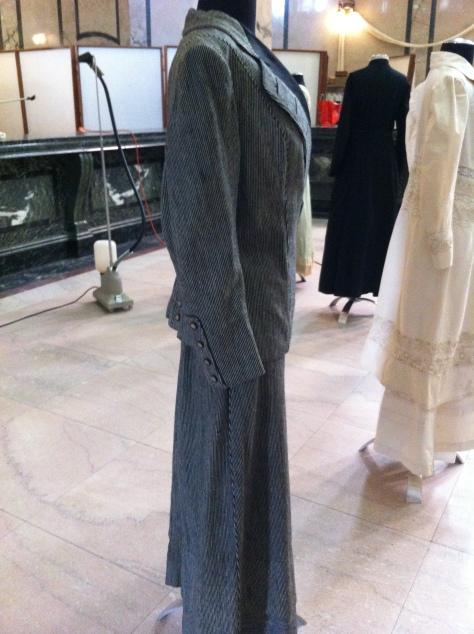 1911 grey suit c CMC