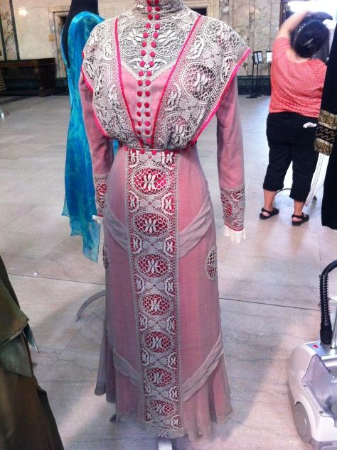 1911 pink dress a CMC