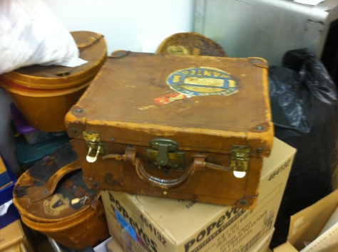 1900 top hat and case a