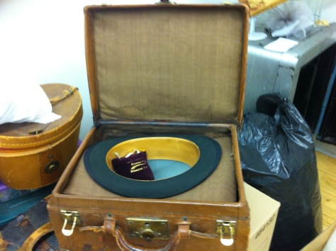 1900 top hat and case b