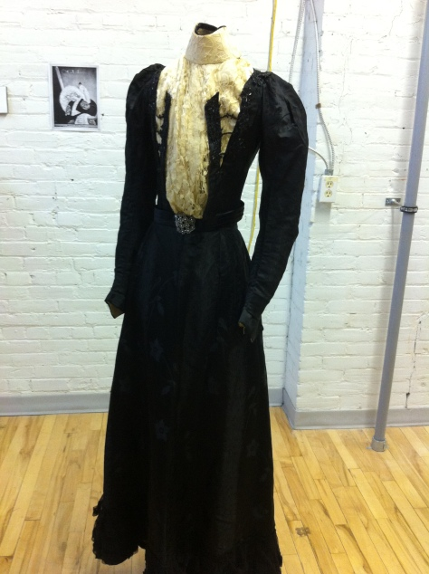 Front view.  Notice the two black strips on the front of the gown.  I like that!