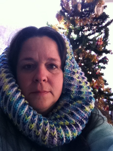 A cowl that I think will end up as a gift next year.  It seems like a younger persons colors.