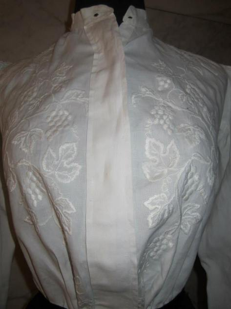 1905 shirtwaist at the Costume Museum of Canada