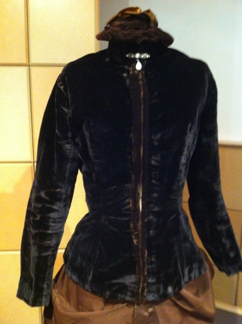 1880's dress and hat velvet CMC b