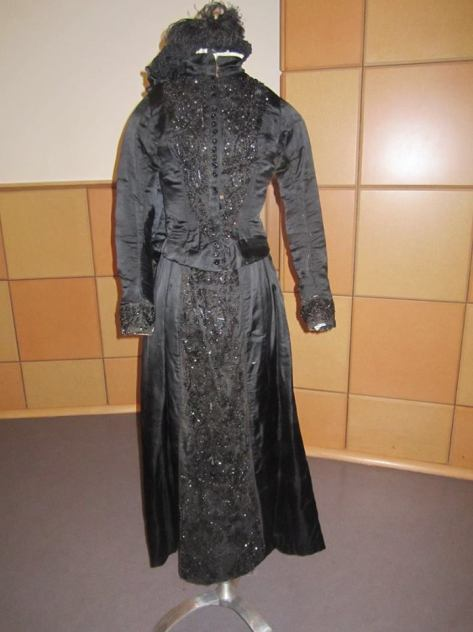 1880's dress black widow CMC a