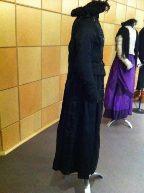 1880s dress black widow CMC c