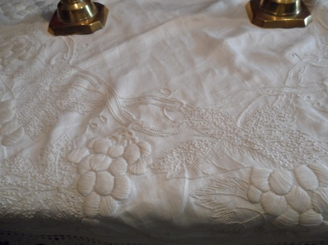 Lovely white on white table cloth.