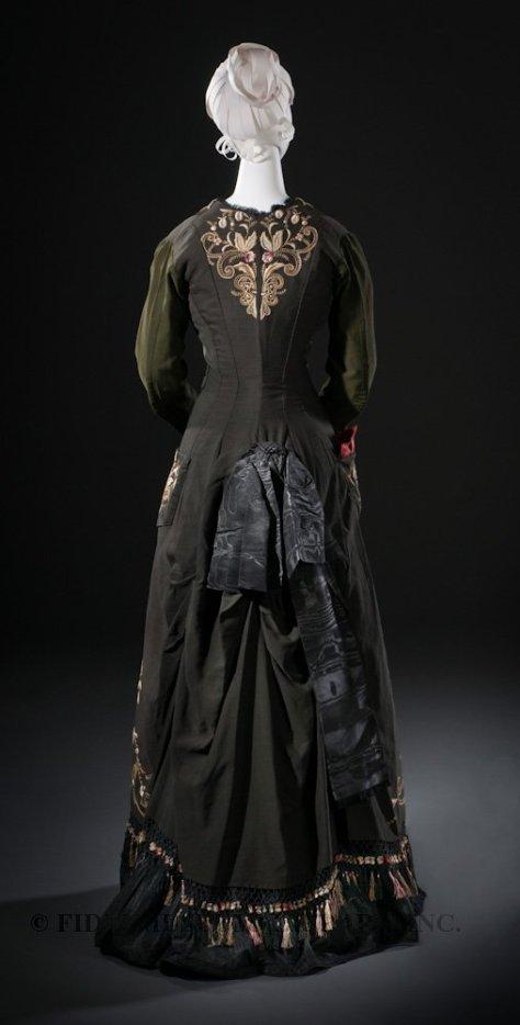1878 tea gown FIDM b