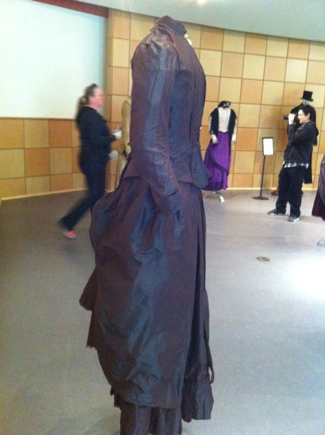1880's dress pleated brown CMC b