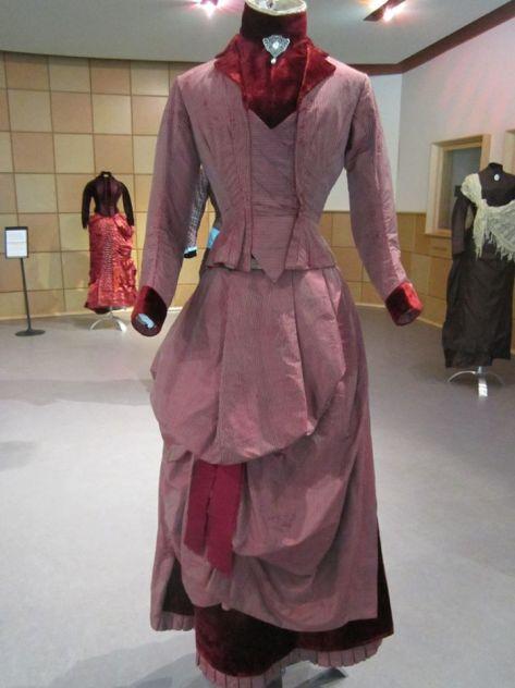 1880's dress wine CMC a