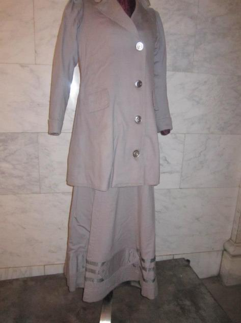 A 1906 suit.
