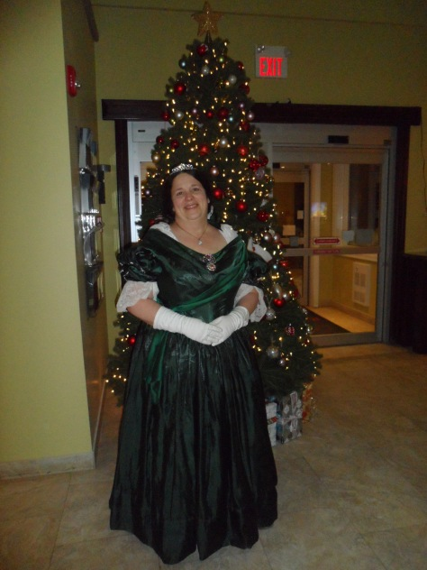 I wore my Green Queen dress to the Dickens Festival.