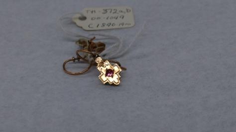 1890-1900 earring CMC