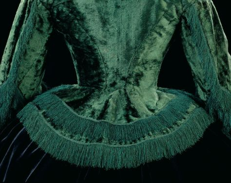 1855-57 day dress V&A c